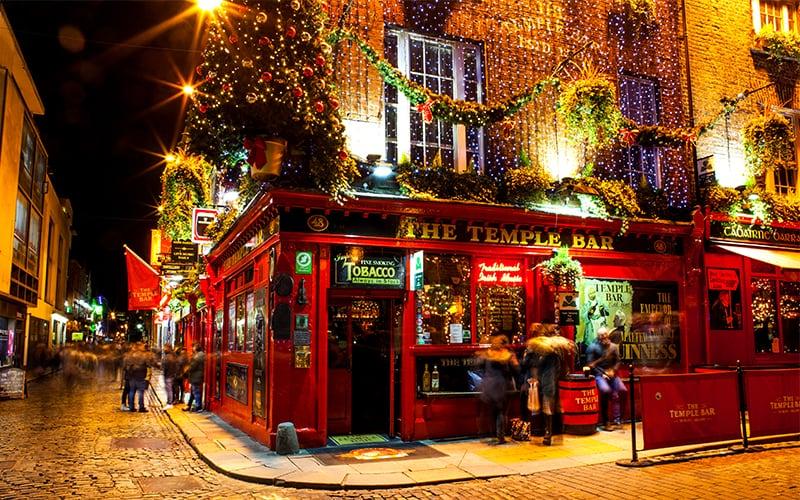 Christmas In Dublin Ireland.Explore Ireland This Christmas Rentalcars Com