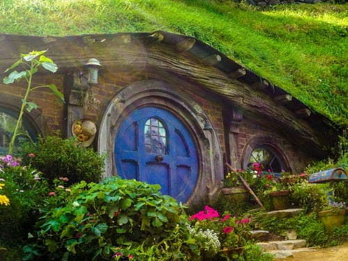 New Zealand: The Ultimate road trip around Middle Earth